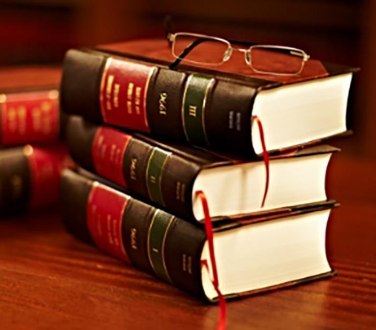 trzy książki nastosie